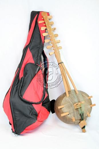 Kamele Ngoni mit Tasche